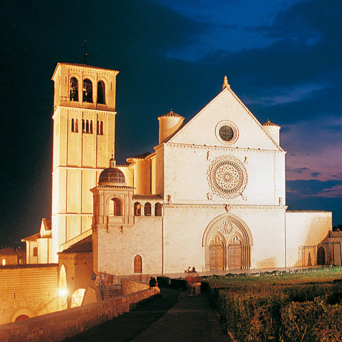 Assisi by night – 20€